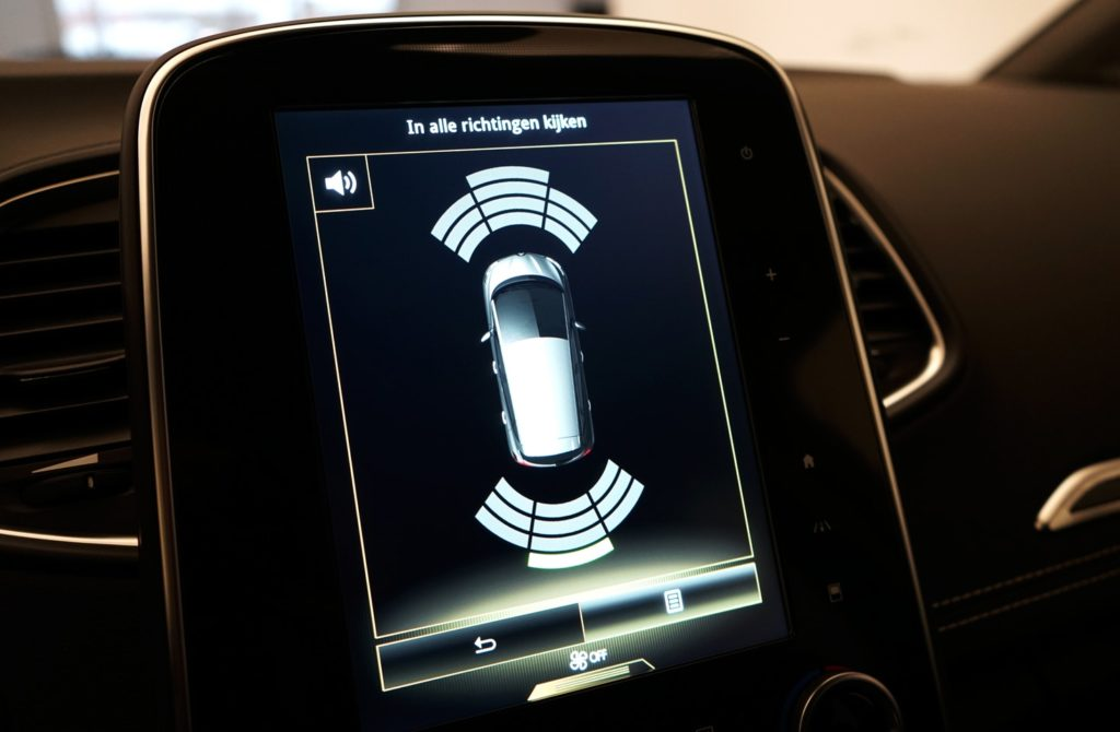 mycar-braine-lalleud-voitures-doccasion-renault-scenic-bose-blanche20